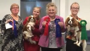 Choice 2. bedste tæve med Cert og Holger 4. bedste hanhund. Begge vindere af juniorklassen og dermed juniorcert. Dommer: Ineke Zwaartman-Pinster (NL)